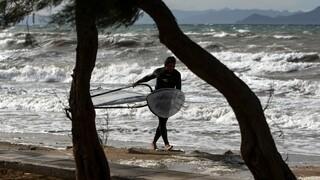 Καιρός: Δεκαπενταύγουστος με ισχυρούς ανέμους - Σε ποιες περιοχές θα φθάσει τα 7 μποφόρ