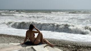 Ο καιρός τον Δεκαπενταύγουστο: Άνεμοι μέχρι 7 μποφόρ - Οι θερμοκρασίες σε όλη τη χώρα