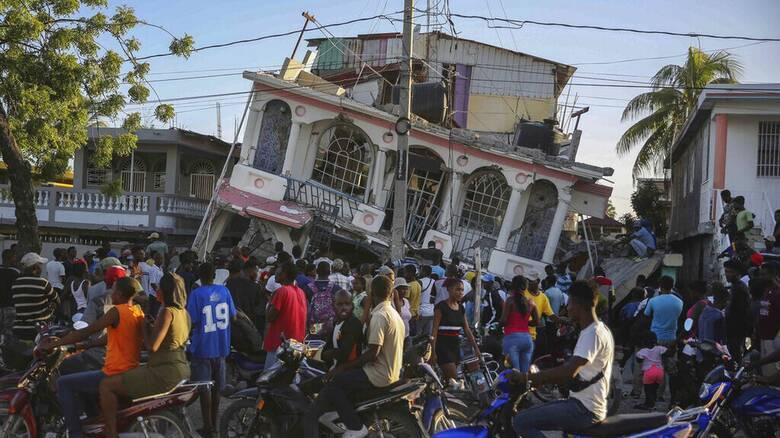 Σεισμός στην Αϊτή: Περισσότεροι από 300 οι νεκροί μετά τα 7,2 Ρίχτερ