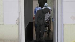 Σε αναστολή από σήμερα οι ανεμβολίαστοι υγειονομικοί σε προνοιακές δομές