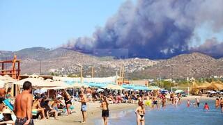 Ανεξέλεγκτη η φωτιά στην Κερατέα - Μάχη για τον εθνικό δρυμό Σουνίου - Απειλείται ο Αγ. Κωνσταντίνος