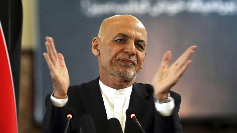 Ρωσία: Ο Αφγανός πρόεδρος διέφυγε παίρνοντας μαζί του ένα ελικόπτερο γεμάτο μετρητά