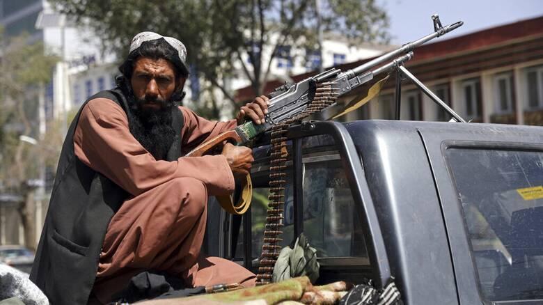 Το Αφγανιστάν στα χέρια των Ταλιμπάν: «Αποτύχαμε» λέει η Βρετανία - Τα βλέμματα στον Μπάιντεν