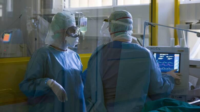 Ηράκλειο: Νοσηλεύτρια προσκόμισε ψευδές self test για να μην εμβολιαστεί