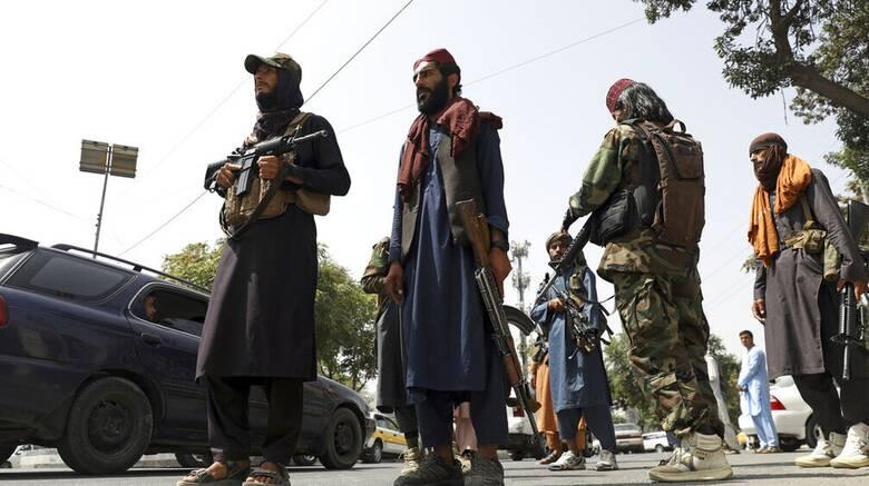 Αφγανιστάν: Ένοπλοι Ταλιμπάν από πόρτα σε πόρτα - Τρεις νεκροί στην Τζαλαλαμπάντ
