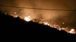 Φωτιά στο Δασκαλειό Κερατέας: Επί ποδός η Πυροσβεστική - Υποψίες για εμπρησμό