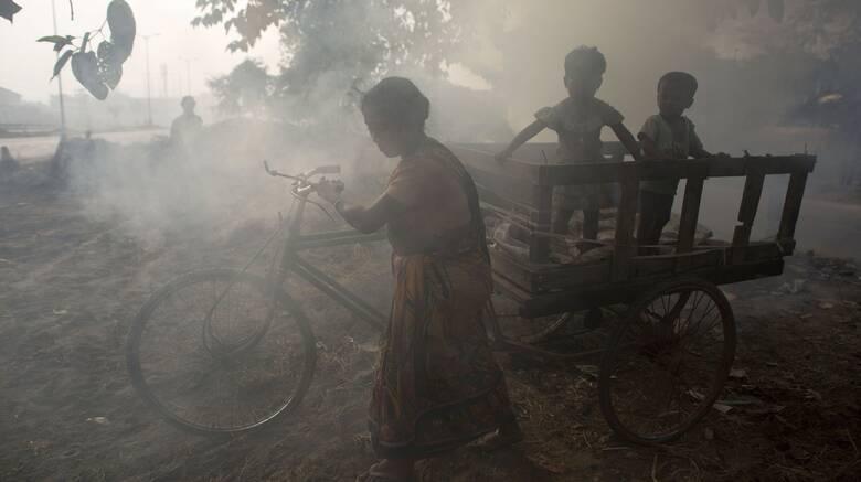 Unicef: Ένα δισεκατομμύριο παιδιά σε «ακραίο κίνδυνο» από τις κλιματικές επιπτώσεις