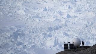 Έπεσε βροχή και όχι χιόνι για πρώτη φορά στην κορυφή της Γροιλανδίας
