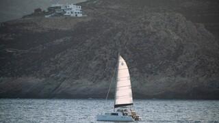 Φωτιά σε ιστιοφόρο ανοιχτά της Αίγινας - Σώοι οι 8 επιβαίνοντες