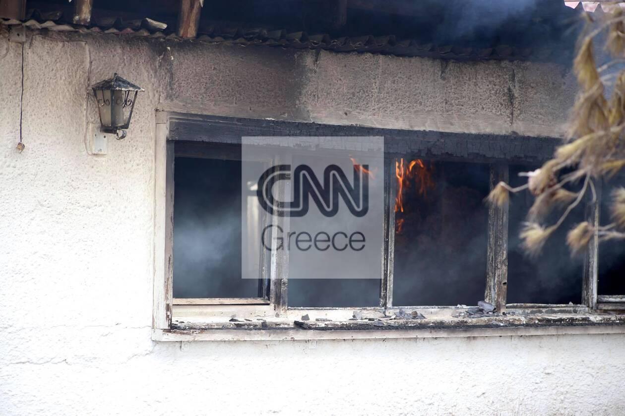 https://cdn.cnngreece.gr/media/news/2021/08/22/278692/photos/snapshot/vilia-fotia-4.jpg