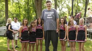 Πέθανε σε ηλικία 38 ετών  ο ψηλότερος άνδρας των ΗΠΑ