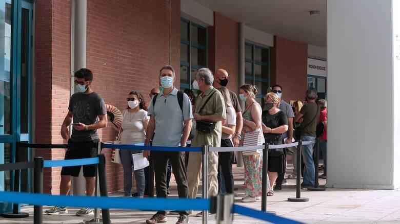 Κορωνοϊός - Τζανάκης: Ο υποχρεωτικός εμβολιασμός πρέπει να επεκταθεί