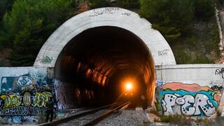 ΟΣΕ για εκτροχιασμό τρένου: Αμεση αποκατάσταση της σιδηροδρομικής γραμμής