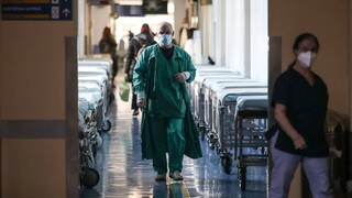 Υποχρεωτικός εμβολιασμός: Παράταση στην αναστολή εργασίας για τους υγειονομικούς ζητά η ΠΟΕΔΗΝ