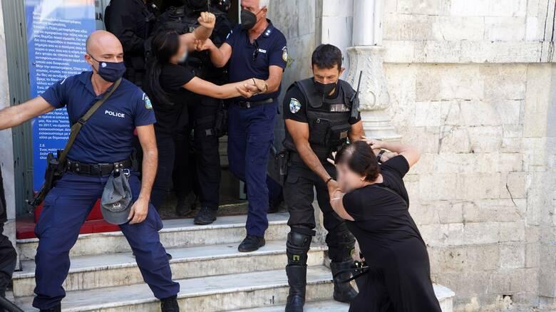 Έγκλημα στη Μεσαρά: Προφυλακιστέοι οι δύο κατηγορούμενοι