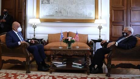 Συνάντηση Δένδια - Μενέντεζ: Στο επίκεντρο οι παράνομες τουρκικές ενέργειες και τα F-35