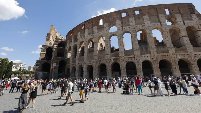 Κορωνοϊός: Ανεβαίνει επίπεδο συναγερμού η Σικελία