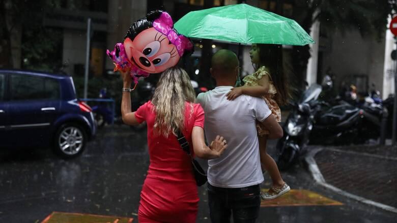 Καιρός: Βροχές στο μεγαλύτερο μέρος της χώρας - Πότε αναμένεται βελτίωση
