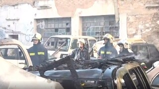 Φωτιά στην Κυψέλη: Κάηκαν αυτοκίνητα