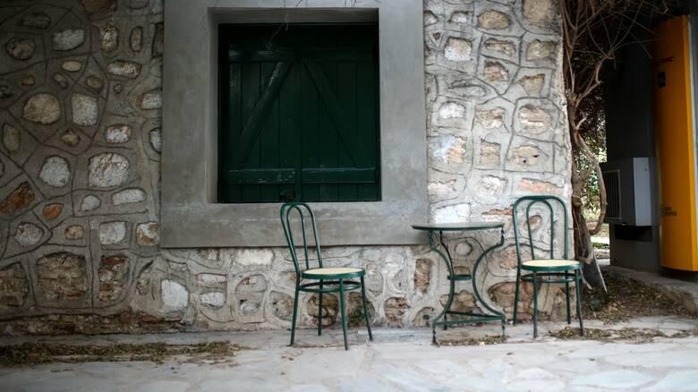 Κρήτη: Βαριά «καμπάνα» σε καφενείο για ανεμβολίαστους πελάτες