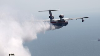 Φωτιές: Συγκλονίζει ο πιλότος του Beriev που επιχειρούσε ενώ καιγόταν το σπίτι του
