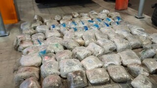 ΑΑΔΕ: Μπλόκο σε φορτηγό με 90 κιλά ακατέργαστη κάνναβη σε ρεζέρβες