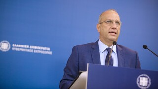 Τον κυβερνητικό ανασχηματισμό ανακοίνωσε ο Γιάννης Οικονόμου