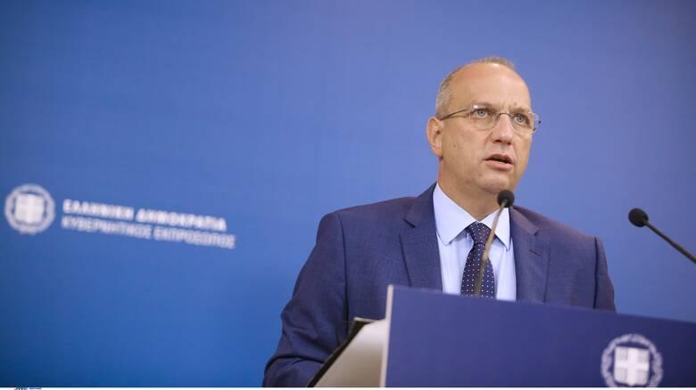 Οικονόμου κατά ΣΥΡΙΖΑ για Αποστολάκη: «Από αποστάτης σε δύο ώρες μετατράπηκε σε άξιο στέλεχος»
