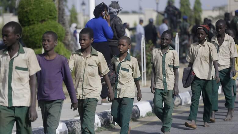 Νιγηρία: Ένοπλοι εισέβαλαν σε γυμνάσιο και απήγαγαν 73 μαθητές στη Ζαμφάρα