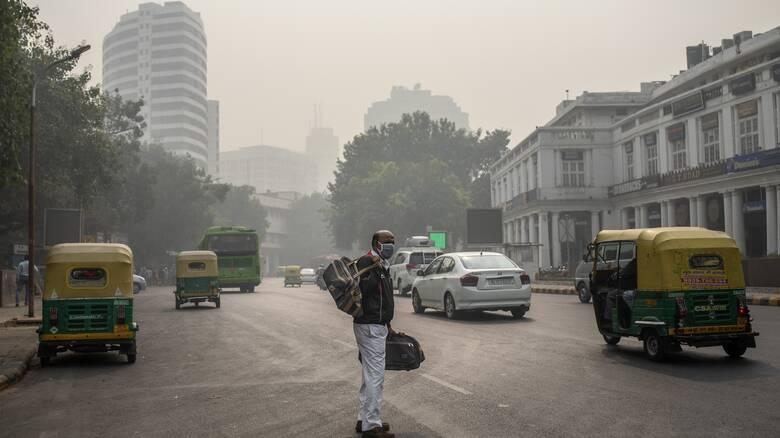 Μελέτη: Η ατμοσφαιρική ρύπανση μειώνει τη ζωή των Ινδών έως και εννέα χρόνια