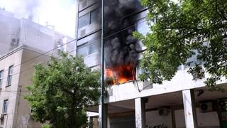 Φωτιά σε κτήριο στο κέντρο της Αθήνας - Κοντά στο υπουργείο Υγείας