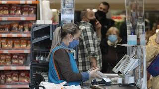 Φόβοι για αυξήσεις - «φωτιά» σε βασικά προϊόντα και ρεύμα - Ανακοινώσεις από τον Μητσοτάκη στη ΔΕΘ