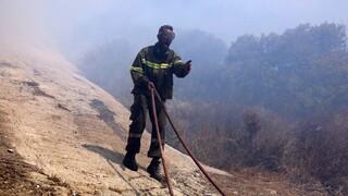 Σε ύφεση η φωτιά στο Ρέθυμνο: Επί ποδός η Πυροσβεστική Υπηρεσία