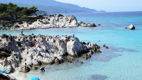 Τουρισμός για όλους: «Πλημμύρισαν» φέτος τους ελληνικούς προορισμούς οι Έλληνες ταξιδιώτες