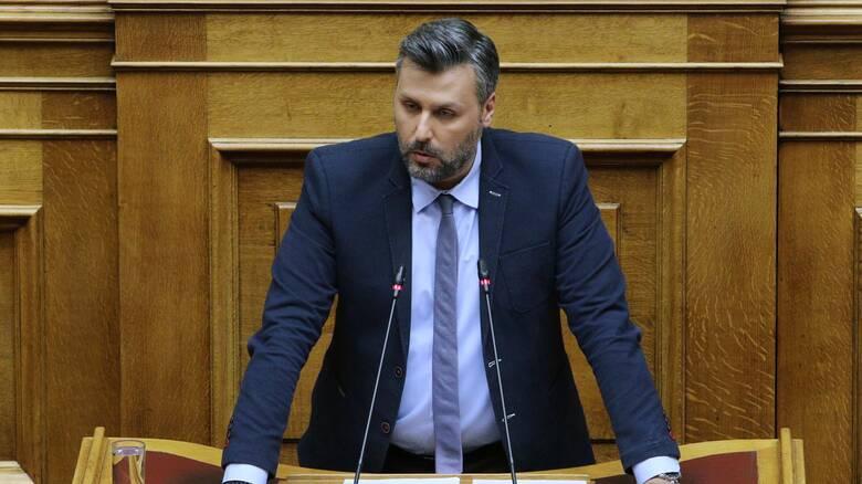 Πολιτική κόντρα κυβέρνησης - ΣΥΡΙΖΑ μετά την ανάρτηση Καλλιάνου για Σεμέδο