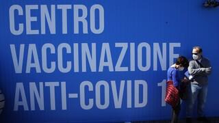 Κορωνοϊός: Εικονικοί εμβολιασμοί (και) στην Ιταλία - Έρευνα για τη δράση νοσηλεύτριας