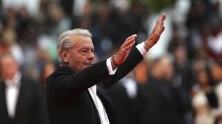 Ζαν-Πολ Μπελμοντό: Συντετριμμένος για τον θάνατο του φίλου του ο Αλέν Ντελόν