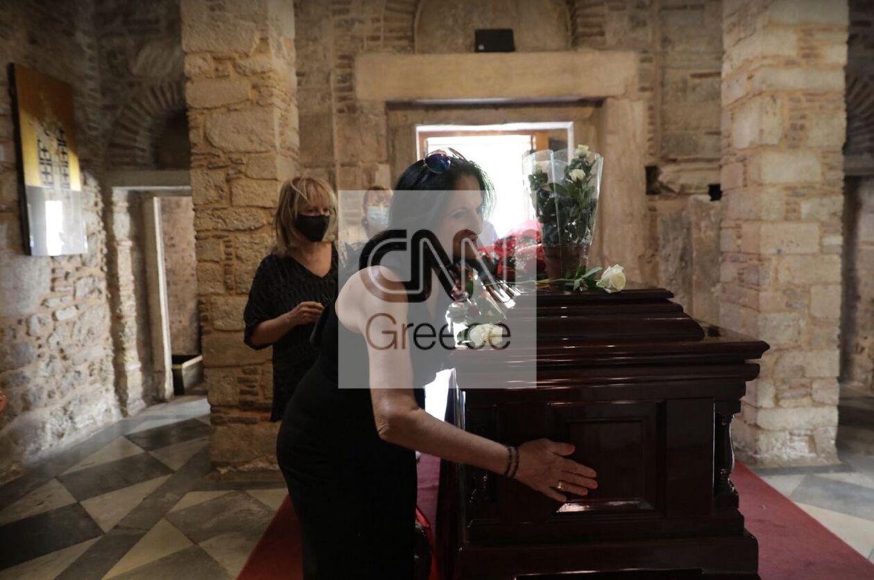 https://cdn.cnngreece.gr/media/news/2021/09/07/280608/photos/snapshot/mitropoli9.jpg