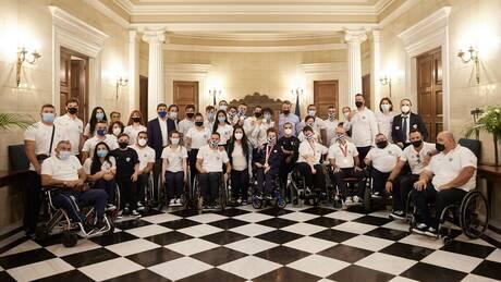 Με τους Παραολυμπιονίκες ο Μητσοτάκης: Δημιουργείται Αθλητικό Κέντρο στη Ραφήνα