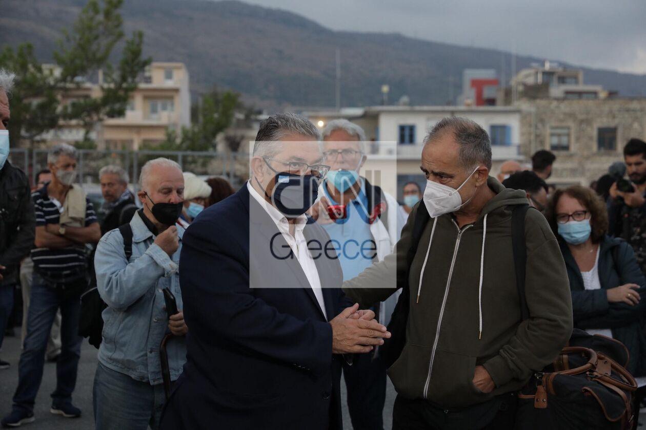 https://cdn.cnngreece.gr/media/news/2021/09/09/280766/photos/snapshot/kke-mikis-theodorakis-3.jpg