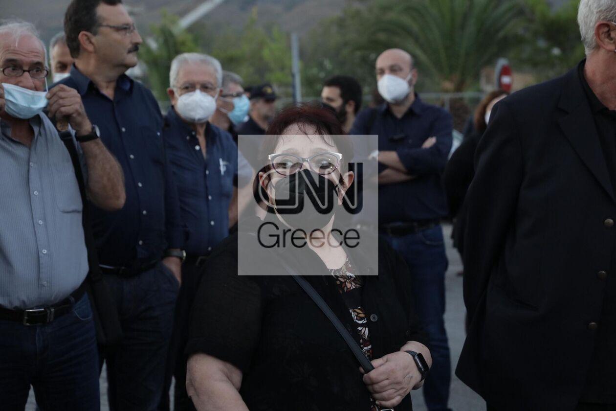 https://cdn.cnngreece.gr/media/news/2021/09/09/280766/photos/snapshot/kke-mikis-theodorakis-4.jpg