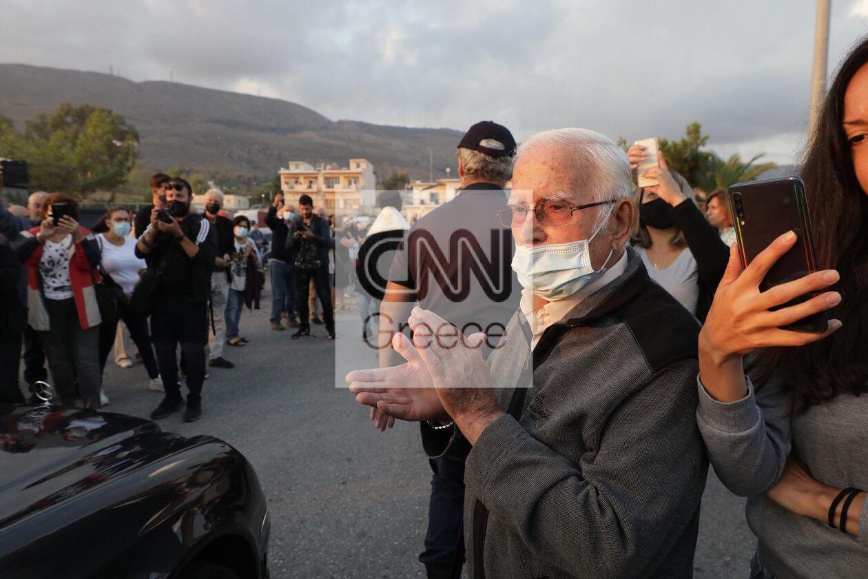 https://cdn.cnngreece.gr/media/news/2021/09/09/280766/photos/snapshot/mikis-xania-5.jpg