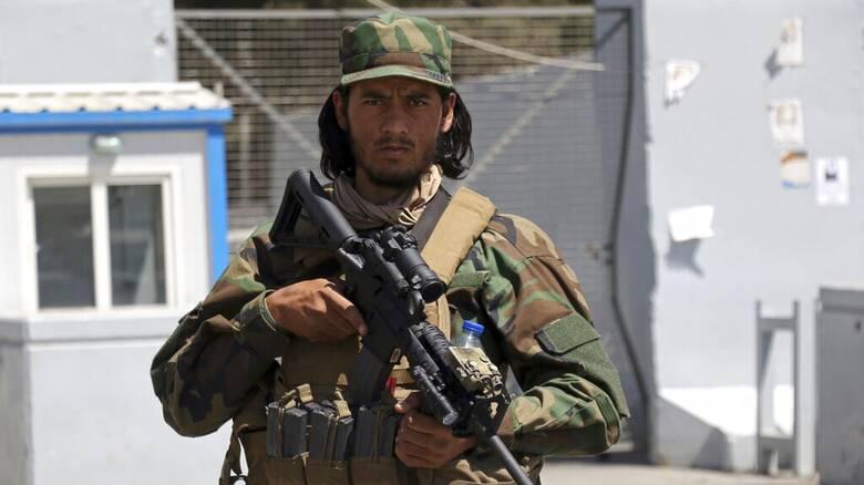 Αφγανιστάν: Οι Ταλιμπάν επιτρέπουν σε αλλοδαπούς να αναχωρήσουν από τη χώρα