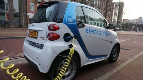 Ηλεκτρικά αυτοκίνητα: Σοβαρή έλλειψη σε σημεία φόρτισης στην Ευρώπη αποκαλύπτουν στοιχεία