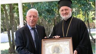 Η Περιφέρεια Βορείου Αιγαίου τίμησε τον αρχιεπίσκοπο Αμερικής Ελπιδοφόρο