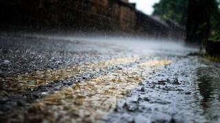 Καιρός: Πού αναμένονται βροχές και καταιγίδες σήμερα - Μικρή άνοδος της θερμοκρασίας