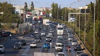 Μετ' εμποδίων η κίνηση στην Αθηνών – Κορίνθου λόγω σοβαρού τροχαίου