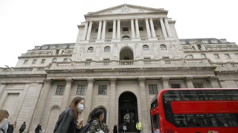 Κορωνοϊός: «Φρένο» στην οικονομική ανάπτυξη της Βρετανίας από τη μετάλλαξη Δέλτα