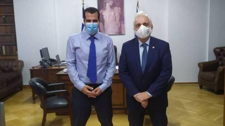 Ελληνικός Ερυθρός Σταυρός - Υπουργείο Υγείας: Συνάντηση Πλεύρη με Αυγερινό