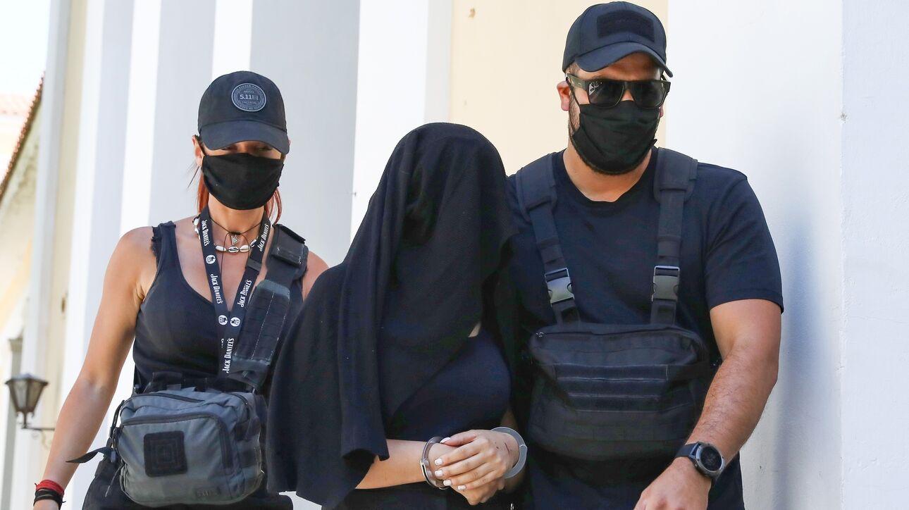Επίθεση με βιτριόλι: Η Ιωάννα θα παραστεί στο δικαστήριο για να αντιμετωπίσει την κατηγορούμενη - CNN.gr